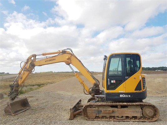 2012 Hyundai Robex 80CR-9 - Heavy Machinery for Sale
