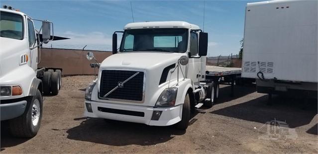 2012 VOLVO VNL64T300 For Sale In Phoenix, Arizona