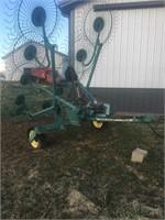 JD 702 Folding Hay Rake