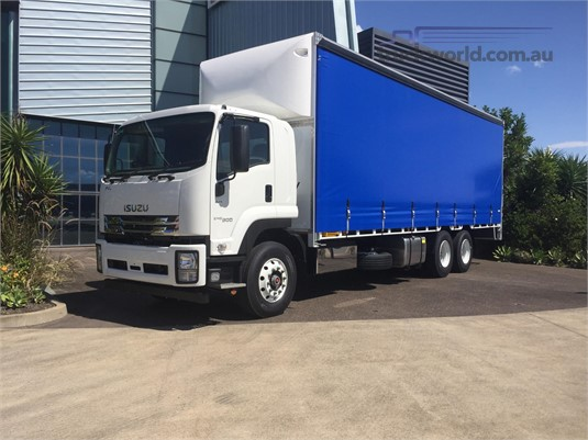 2018 Isuzu FVL - Trucks for Sale
