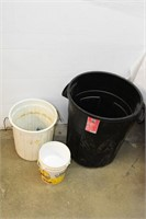 Garbage Cans & Pails