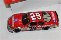 Die Cast Goodwrench Stock Car 1:24 Scale