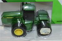 ERTL Die Cast John Deere Tractor 1:64 Scale