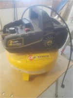 CH extreme contractor series 2HP 4GAL. AIR compressor