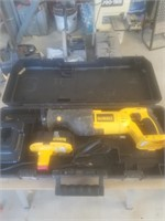 Dewalt DC385 variable speed reciprocting saw 18V W/Charger