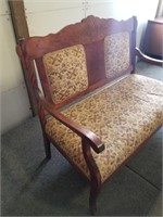 Sitting Settee Matching To Lot # 1020.  Measures