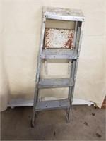 "3 Step Aluminum Ladder. 45"" Tall."