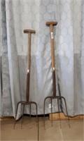 2 Pitch Forks