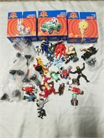 Lot To Include 3 Loonie Tunes Puzzles And Lot Of