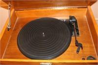 Thomas Museum Series Record Player, AM/FM, Cassette
