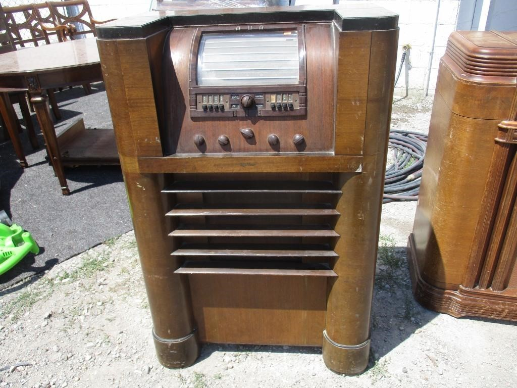 1930s RCA Victor Tube Radio Model 813K | Prime Time Auctions