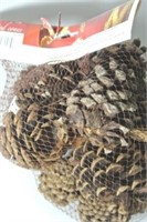 Holiday Scented Pine Cones