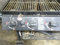 Chargriller Grill / Smoker with Cover (Propane)