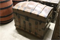 Antique Steamer Trunk with Inserts - 31x19x27T
