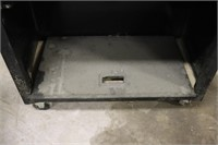 Craftsman Tool Cabinet - Bottom door is detached