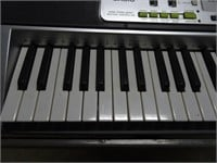 Casio LK-200s Keyboard - No Cords