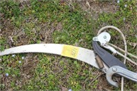 Corona Extendable Saw and Branch Trimmer