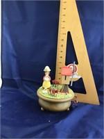 Anri musical figurine thorens movement