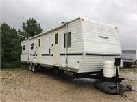 2003 Dutchman Classic camper w/ slideouts. awning, very clean!