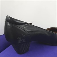 Ladies Leather Wide Heel Shoes By Thom McAn