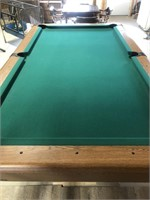 Full size pool table, excellent felt and