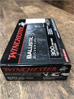 1 box 300 WinMag, Winchester 180 gr.