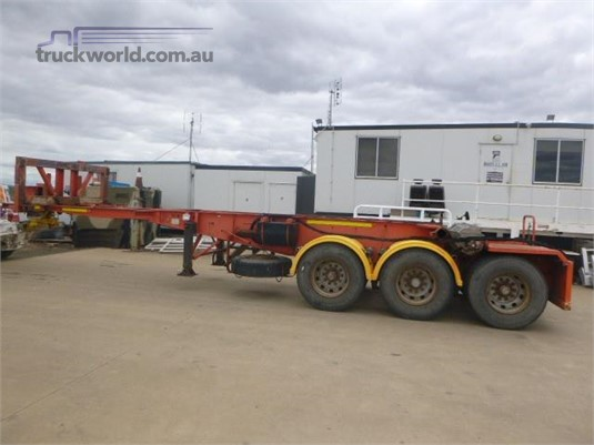 2002 Barker Skeletal Trailer Western Traders 87 - Trailers for Sale