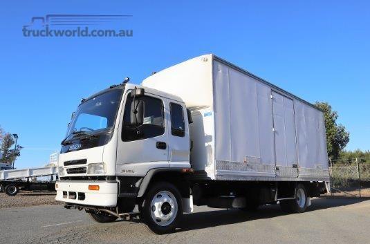 2004 Isuzu FSR 700 Trucks for Sale