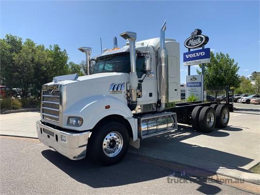 2010 Mack Super Liner - Truckworld.com.au - Trucks for Sale