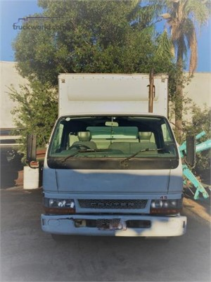 2004 Mitsubishi Canter Trucks for Sale