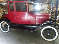 Estate of the Late Mr. Carl Gardella - Antique Cars, Tools,