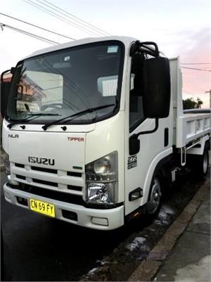 2015 Isuzu NLR 275 Trucks for Sale