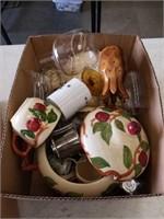 Box of glass ware etc