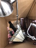 Box of miscellaneous lampshade,light fixtures,