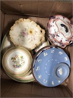 Box of plates including Wedgewood