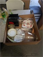 Box of glass vases and miscellaneous China pieces