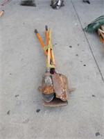 Bundle of shovels