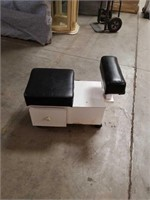 Pedicure bench