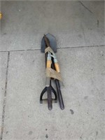 Bundle of pruners and small  Shovel