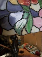 Leaded glass table lamp as is