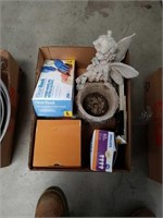 Box of planter and light bulbs plus gloves