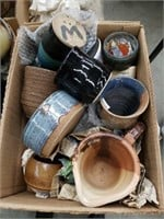 Box of pottery/vases