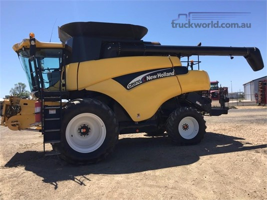 2004 New Holland CR970 Black Truck Sales - Farm Machinery for Sale