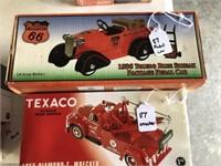 1955 Texaco Diamond T Wrecker / 1936 Phillips 66