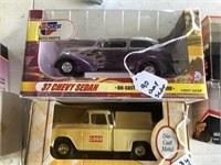 37 Chevy Sedan Street Rod / 1955 CASE Truck