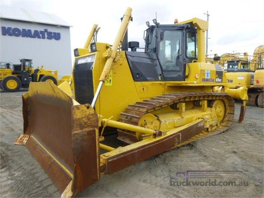 2012 Komatsu D85EX-15E0 - Heavy Machinery for Sale