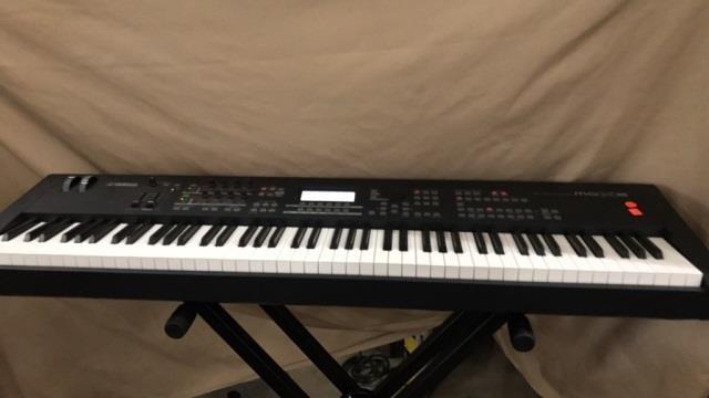 Yamaha moX8 music production synthesizer with | Christys of Indiana
