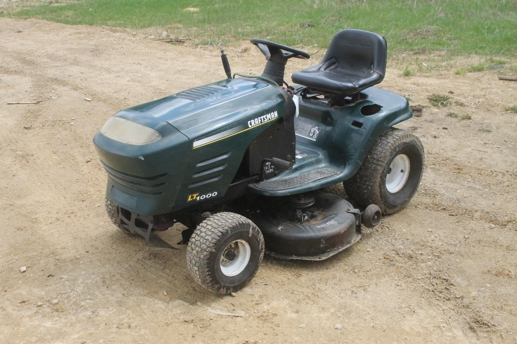 Craftsman Lt1000 Riding Mower >> Craftsman Lt1000 Riding Lawn Mower With 42 Deck Hibid Auctions
