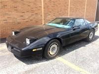 Automobiles 1984 Corvette, 1993 Ford Bronco