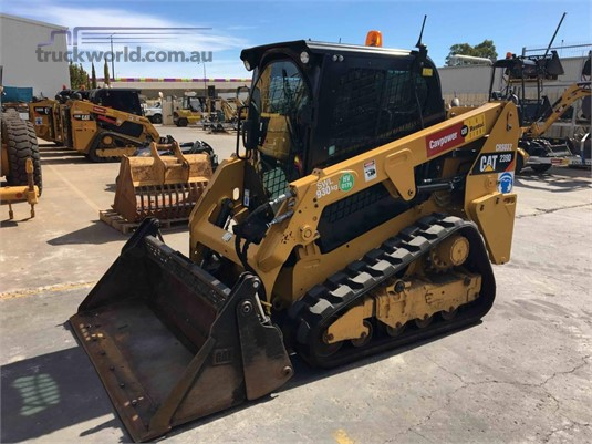 2015 Caterpillar 239D - Heavy Machinery for Sale